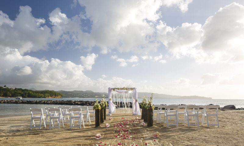 BAREFOOT ON THE BEACH Weddings Tile